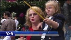 """Marshim i familjarëve të fëmijëve """"Down"""""""