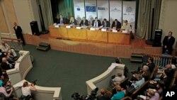 Pengamat internasional memberikan keterangan kepada media di Kyiv, Ukraina mengenai penilaian mereka atas pelaksanaan Pilpres di sana, Senin (26/5).