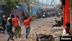 نئی دہلی میں شہریت بل کے خلاف احتجاج فسادات میں تبدیل میں ہو گئے ہیں۔