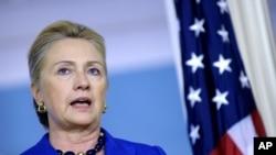 美國國務卿克林頓10月24日在美國國務院