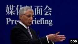 美国国防部长哈格尔4月8日在北京的媒体见面会上(美国国防部)