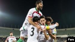 دیدار تیم ملی فوتبال ایران با هند در ورزشگاه آزادی - ۵ فروردین ۱۳۹۵