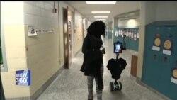 بیمار بچوں کی جگہ اسکول جانے والا روبوٹ