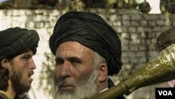 Un miembro del Talibán armado con un lanzacohetes en la frontera entre Afganistán y Paquistán.