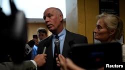 2017年6月12日,蒙塔纳州共和党籍当选众议员格雷格·詹弗尔特在法庭上。他受到的指控是轻度攻击他人。