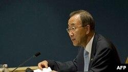 """Tổng thư ký Liên hiệp quốc Ban Ki-moon nói ông """"quan tâm sâu xa"""" về cuộc giao tranh bằng trọng pháo giữa hai miền của bán đảo Triều Tiên"""