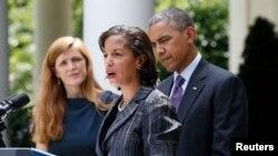 左起依次为萨曼莎•鲍尔、苏珊•赖斯和奥巴马总统。(资料照片)