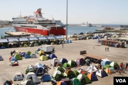 Piraeus is Athen's main port, and in recent months has been home to more than 4000 refugees, Piraeus, Greece, April 15, 2016. (Photo: J. Owens/VOA)
