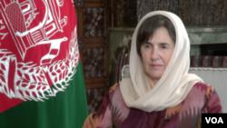 د افغانستان د جمهور رئیس له میرمنې رولا غني سره د آشنا تلویزیون ځانگړې مرکه