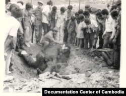 Khmer Rouge's rockets killed civilian in Phnom Penh, 1973. (Source: Documentation Center of Cambodia Archive)
