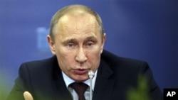 8일 불법시위 벌금인상안 결정을 발표하는 푸틴 러시아 대통령.