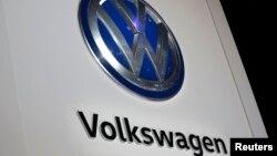 Volkswagen acordó pagar una suma millonaria para resolver el caso que enfrenta en EE.UU. por engaño en emisiones contaminantes en sus vehículos diesel.