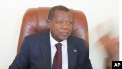 Lambert Mende, ministre congolais des Communications
