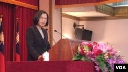 台灣總統蔡英文24日出席陸海空軍將官晉任布達暨授階典禮(美國之音齊勇明攝)