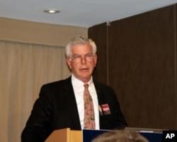 美国战争学院国际史教授柯尔