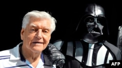 Star Wars serisinin kötü karakteri Darth Vader karakterine hayat veren İngiliz aktör Dave Prowse 85 yaşında hayatını kaybetti