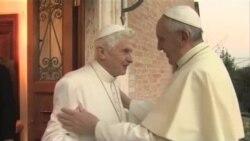 پاپ در برابر پاپ