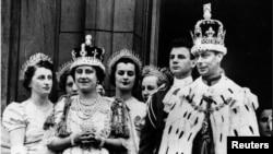 سریال تاج روایتگر زندگی و حکمرانی ملکه الیزابت دوم در بریتانیا است.