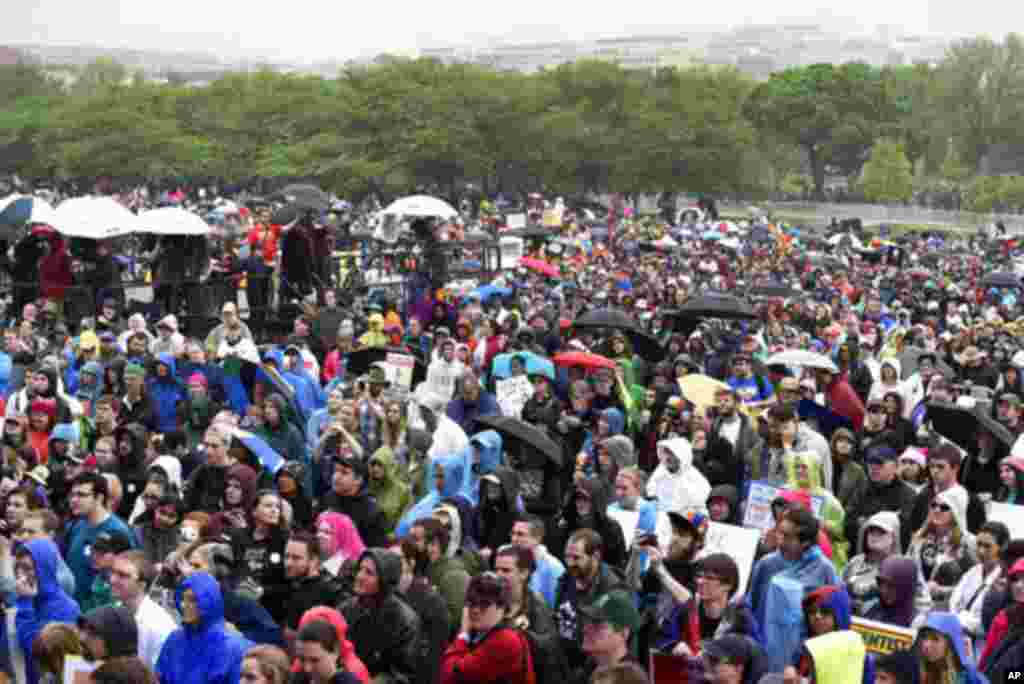 Количество участников маршей, вышедших на улицы в Вашингтоне и других городах США пока неизвестно