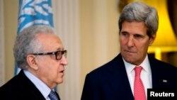 존 케리 미국 국무장관이 지난 14일 영국 런던에서 라크다르 브라히미 유엔-아랍연맹 시리아 특사와 회담했다.