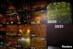 资料照:香港六四纪念馆内展出的香港历年举行的纪念六四天安门事件烛光会的照片。(2021年9月5日)