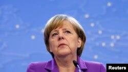 앙겔라 메르켈 독일 총리가 26일 벨기에 브뤼셀에서 열린 유럽연합 정상회의 기자회견에서 발언하고 있다.