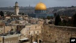 圖中的耶路撒冷老城同時是基督徒﹑猶太人及穆斯林的聖地。