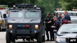 Полиция на улице Гранд-Рапидса в Мичигане. 7 июля 2011г.