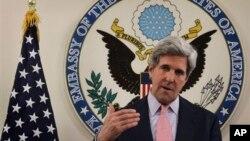지난 5월 15일 아프가니스탄 카불시의 미국 대사관에서 열린 기자회견에 참석한 존 케리 미국 국무부 장관. (자료사진)