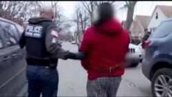 Поміж нелегалів у США зростає паніка через страх депортації. Відео