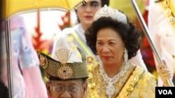 Raja Baru Malaysia, Sultan Abdul Halim dan Ratu Haminah (13/12).