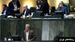 سخنان محمود صادقی موجب تنش در مجلس شورای اسلامی شد.