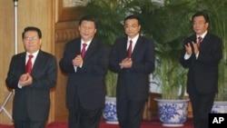 习近平(左二)和李克强(左三)