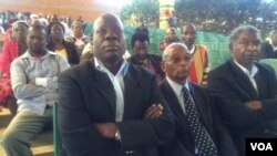 Abanye abantu abavalelise umuyi, uNaison Khutshwekhaya Ndlovu, ngoLwesihlanu.