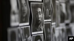 香港民主活动人士主办的六四纪念博物馆里展示的八九六四死难者照片