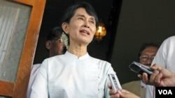 Pemimpin pro-demokrasi Birma, Aung San Suu Kyi