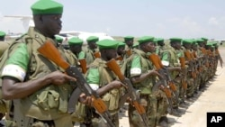 Pasukan Uni Afrika asal Uganda yang bertugas di Magadishu, Somalia (foto: dok). Pasukan Somalia dibantu Uni Afrika merebut pulau penting dari Al-Shabab.
