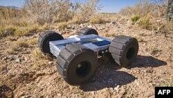 Eksperimentalno robotsko vozilo koje je u stanju da preskoči prepreke visoke do 7,5 metara