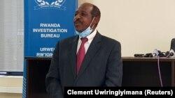 Paul Rusesabagina afikishwa abele ya waandishi habari mjini Kigali Rwanda