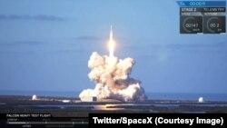 Décollage de Falcon Heavy depuis Cap Canaveral en Floride, Etats-Unis, 6 février 2018. (Twitter/2018)