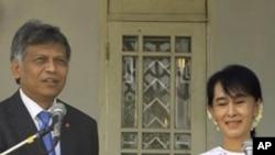 Ông Pitsuwan cho rằng sách lược kiên nhẫn của ASEAN đã góp phần đưa tới cuộc bầu cử bổ túc ở Miến Điện, giúp NLD được tham gia quốc hội.