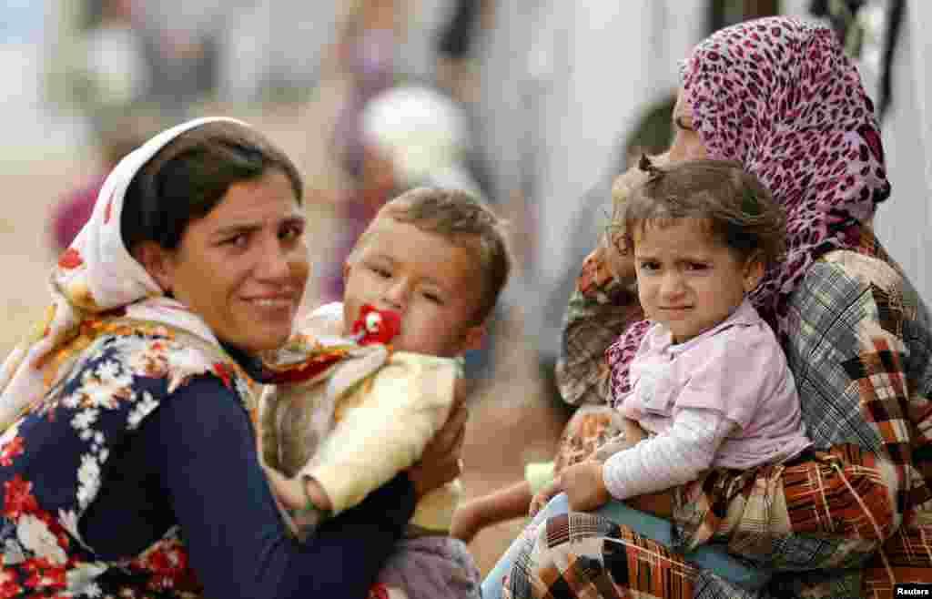کوبانی سے دو لاکھ سے زائد افراد کو مجبوراً ترکی میں پناہ کے لیے داخل ہونا پڑا۔