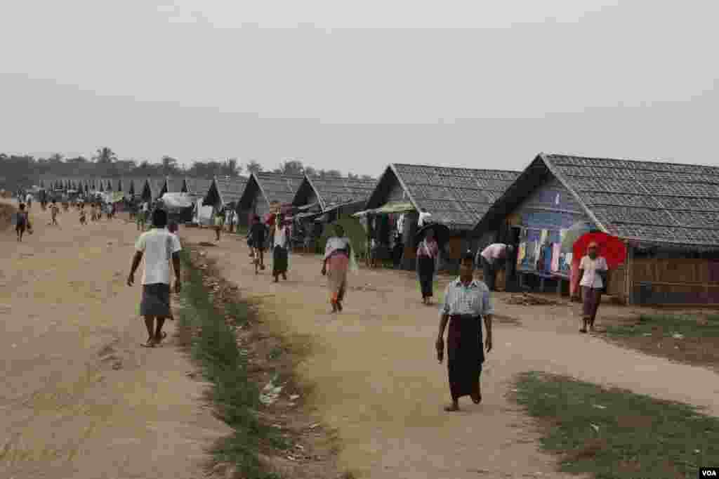 ریاست راکین کے شہر ستوے کے مضافات میں واقع مسلمانوں کا پناہ گزین کیمپ