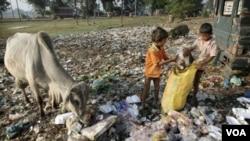 PBB memperingatkan kekurangan dana bantuan akan menyebabkan sasaran pembangunan millennium PBB, termasuk upaya penurunan jumlah angka kemiskinan terhambat (foto: dok).