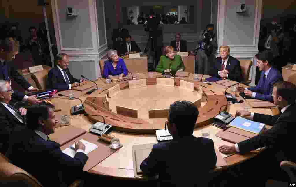 مذاکرات رئیس جمهوری آمریکا با رهبران قدرتهای صنعتی جهان در اجلاس گروه هفت