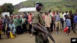 7일 콩고 부나가나로 진입한 M23 반군. 8일에는 인근 럿슈루 마을도 점령했다.