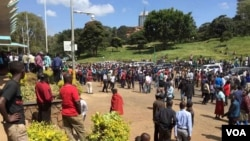 CORD opposition protesters gathering in Nairobi's Uhuru Park, getting ready to march, June 6, 2016. (J. Craig/VOA)