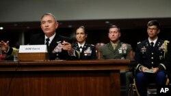 Đô đốc Harry Harris Jr.,Tư lệnh Bộ Chỉ huy Thái Bình Dương Mỹ điều trần trước Ủy ban Quân vụ Thượng Viện ngày 27/4/2017