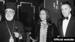Ο Αρχιεπίσκοπος Ιάκωβος, η Κορέτα Κινγκ σύζυγος του Μάρτιν Λούθερ Κινγκ και ο ελληνοαμερικανός Γερουσιαστής Πωλ Σαμπάνης στην Νέα Υόρκη, το 1965 © Copyright Greek Orthodox Archdiocese of America