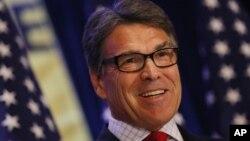 Mantan Gubernur Texas, Rick Perry mundur dari persaingan memperebutkan nominasi capres AS dari partai Republik (foto: dok).